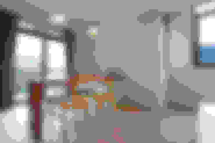 九份M宅:  臥室 by 築里館空間設計