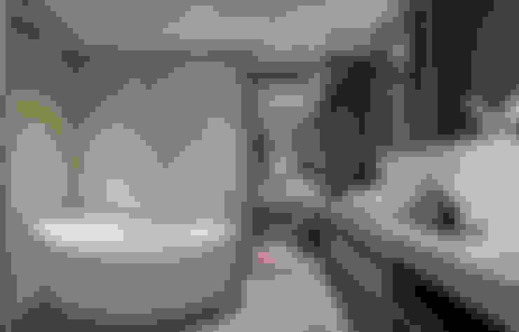 林口楊宅:  浴室 by 大觀室內設計工程有限公司