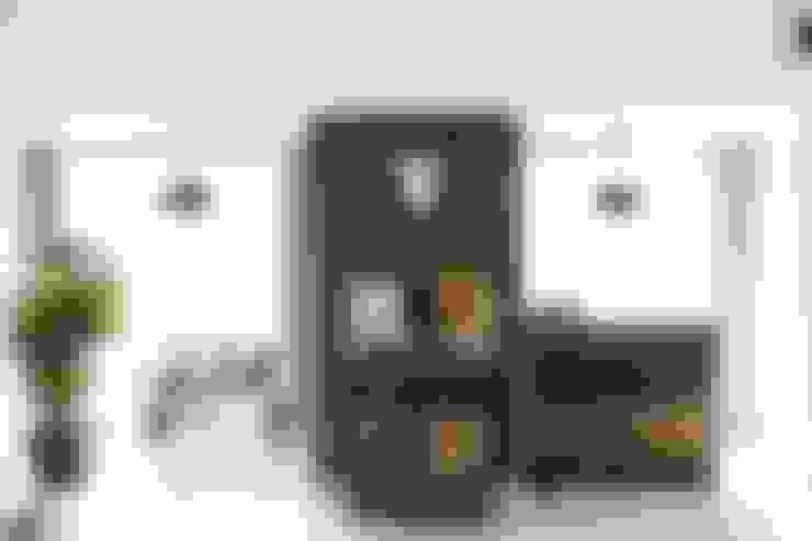 Ruang Keluarga by 윤홍디자인