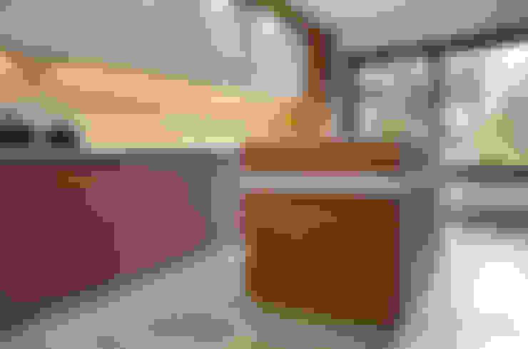 COCINA POZO -  LO BARNECHEA: Cocina de estilo  por Mobiliarios y Proyectos Tresmo Ltda