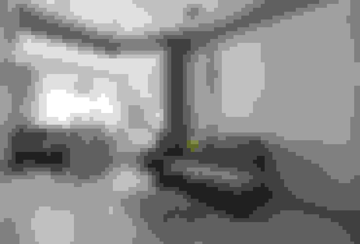 Living room by 思為設計 SW Design