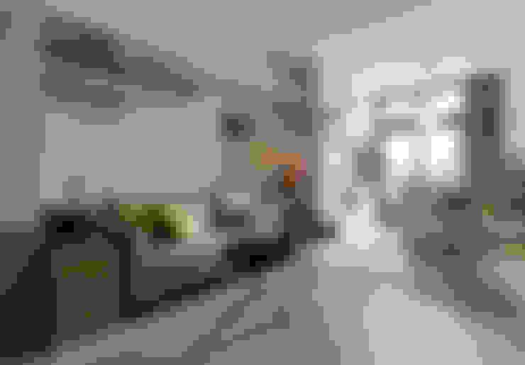 Living room by 耀昀創意設計有限公司/Alfonso Ideas