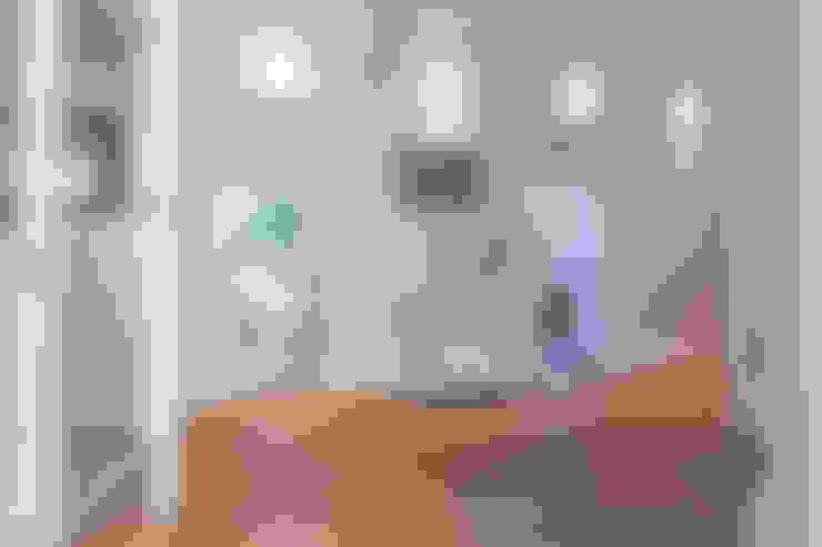 Couloir et hall d'entrée de style  par Home Staging Sylt GmbH