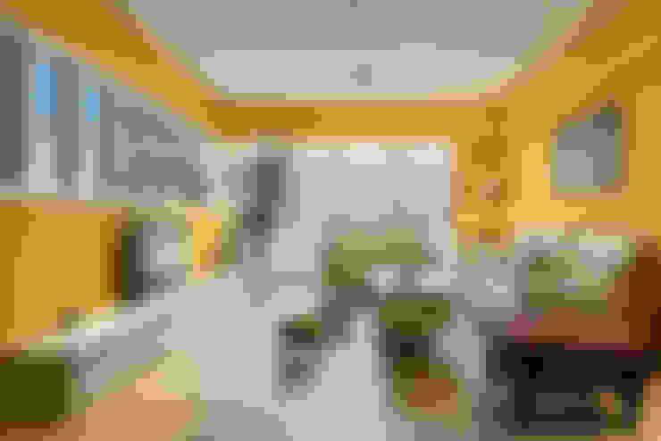 Salones de estilo  de Glocal Architecture Office (G.A.O) 吳宗憲建築師事務所/安藤國際室內裝修工程有限公司