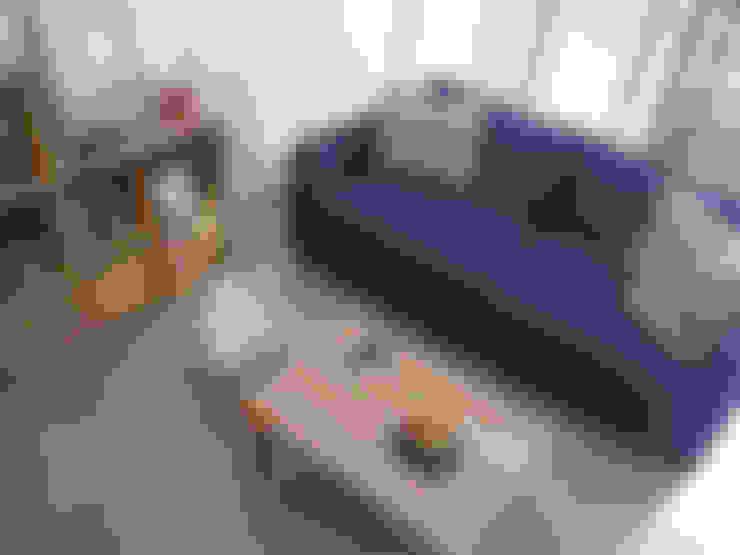Ruang Keluarga by RND Inc.