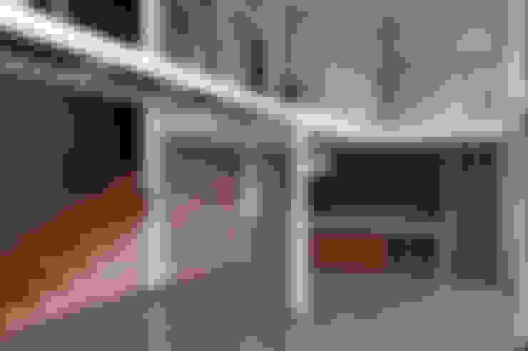 VISTA SALA ESTAR COMEDOR: Comedores de estilo  por Directorio Inmobiliario
