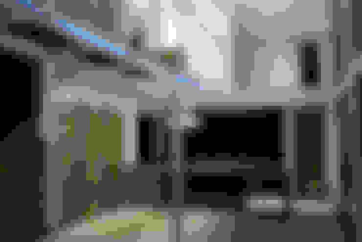 ILUMINACIÓN LED DE RECINTOS DESDE ESTAR COMEDOR: Paredes de estilo  por Directorio Inmobiliario