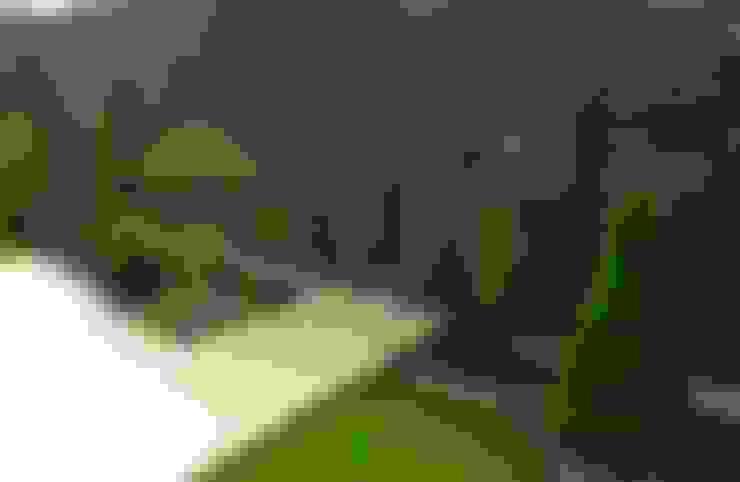 Jardines de estilo  por The Peaceful Gardens
