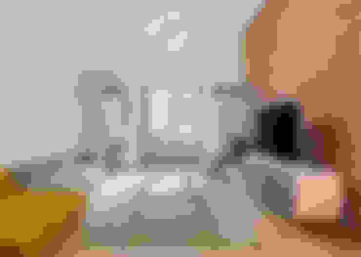 Salon de style  par NOMADE ARCHITETTURA E INTERIOR DESIGN