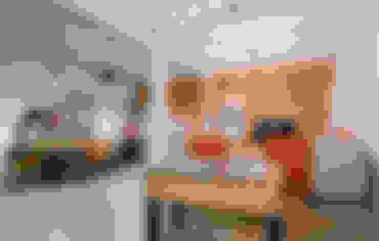 Salle multimédia de style  par NOMADE ARCHITETTURA E INTERIOR DESIGN
