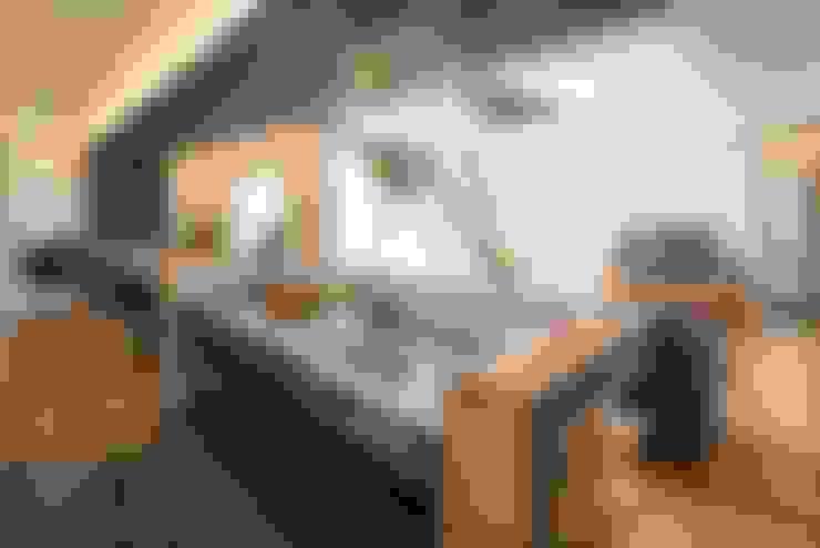 リビング・ダイニング・キッチン: LITTLE NEST WORKSが手掛けたキッチンです。