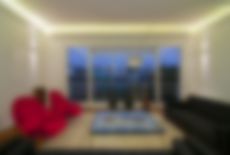 Living room by Nicolas Loi + Arquitectos Asociados