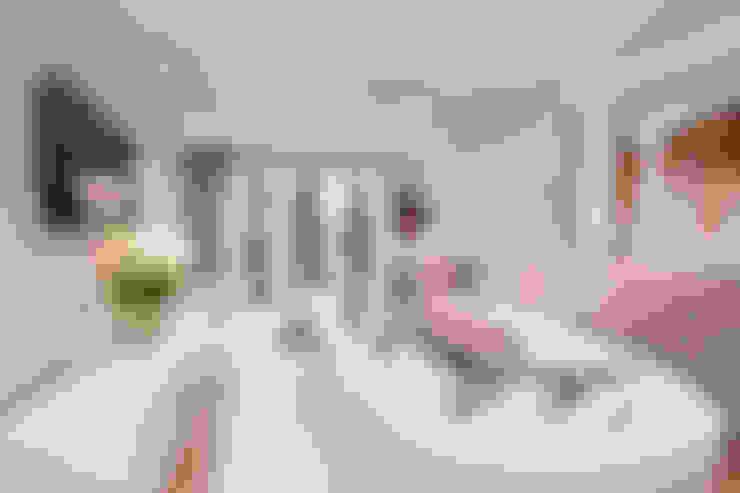 Salas de estilo  por SMB Interior Design Ltd