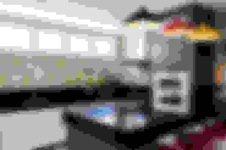 Cocinas de estilo  por Novità - Reformas e Soluções em Ambientes