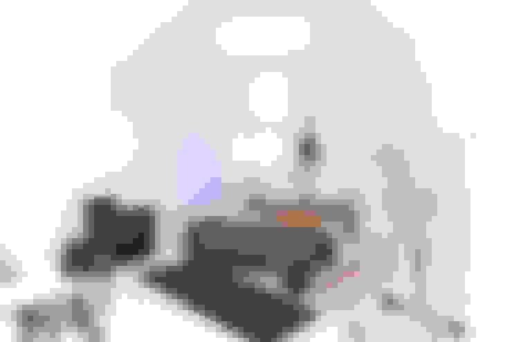 Dormitorios de estilo  de freudenspiel - Interior Design
