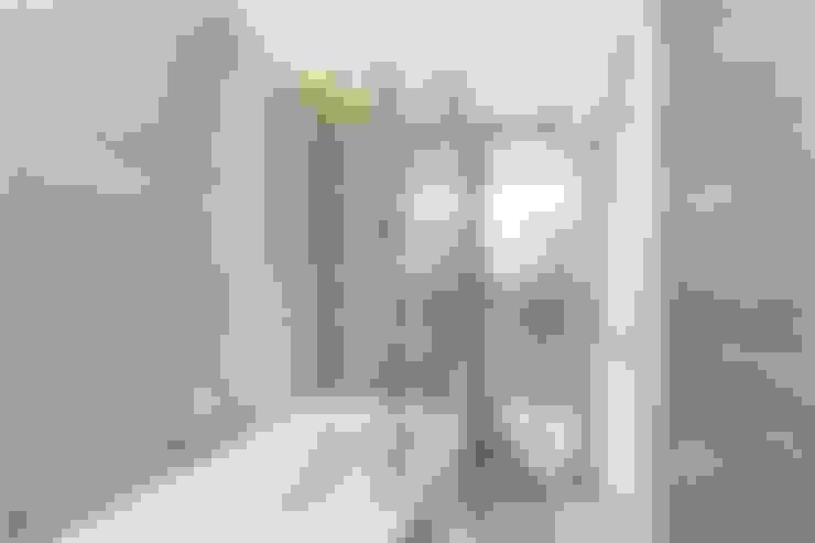 Salle de bains de style  par APT Renovation Ltd
