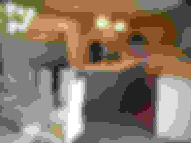 مطبخ تنفيذ Kitchen Krafter Design/Remodel Showroom