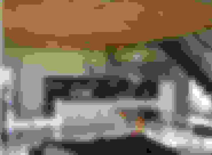 Kitchen by Studio Crachi