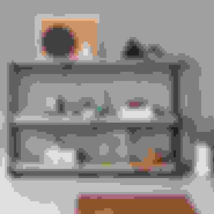 Living room by FraaiBerlin GmbH