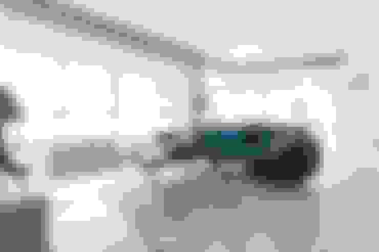 Salon de style  par eM diseño de interiores