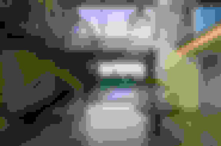 走廊 & 玄關 by Karel Keuler Architects