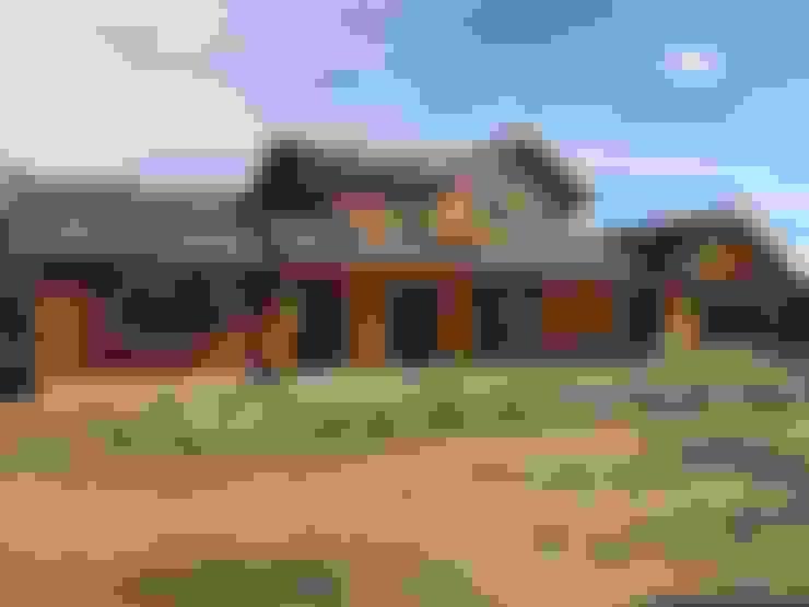 """PROYECTO """"OLIVARES-TUCHNER"""": Casas de estilo  por CONSTRUCTORA RIO MAYER SPA"""