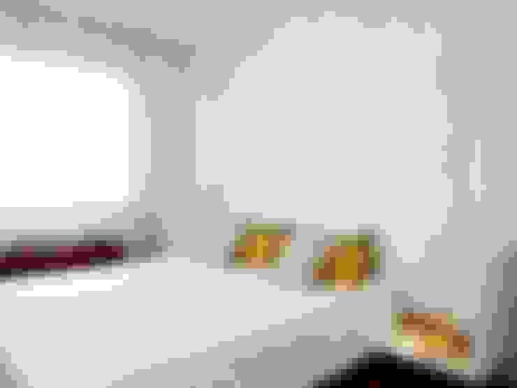 Dormitorios de estilo  por Susana Camelo