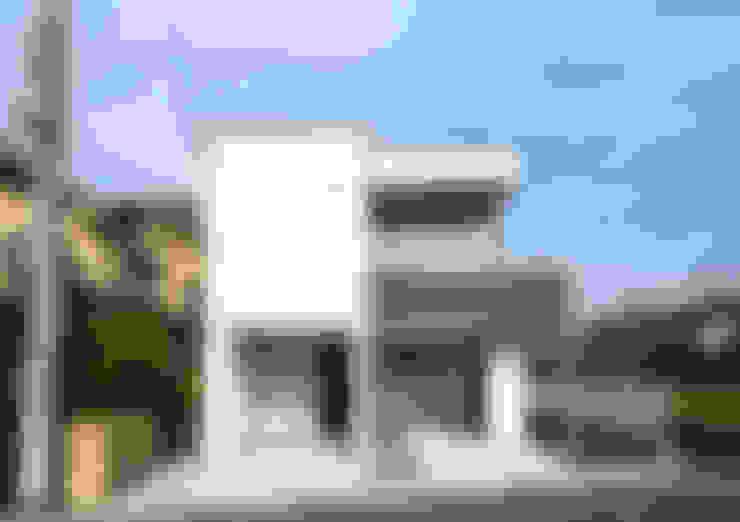 Maisons de style  par 大塚高史建築設計事務所