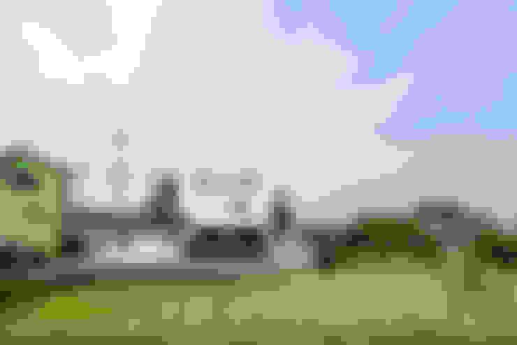 房子 by 大塚高史建築設計事務所