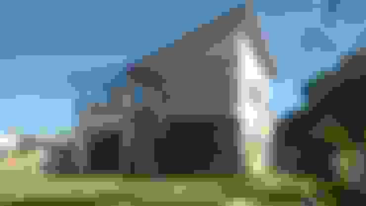 Casas de estilo  por CASA+ Arquitetura