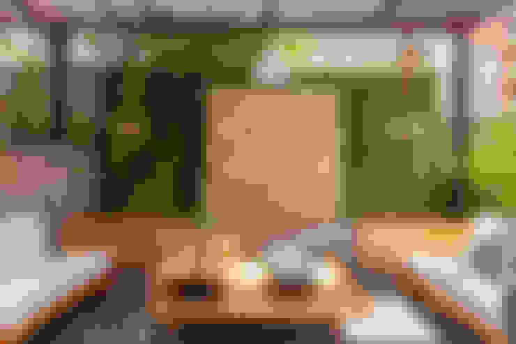 Patio Casa Mediterránea: Terrazas de estilo  por Adrede Diseño