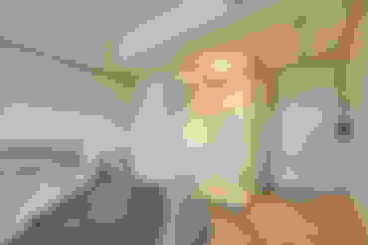 Schlafzimmer von 耀昀創意設計有限公司/Alfonso Ideas