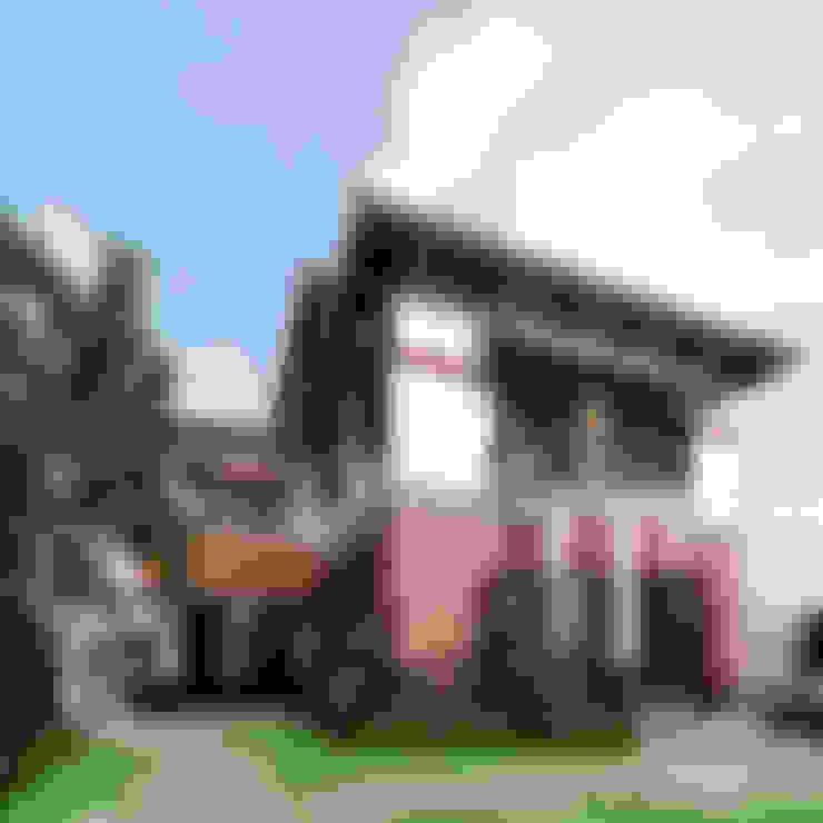 Villas de estilo  de Công ty TNHH Thiết Kế và Ứng Dụng QBEST