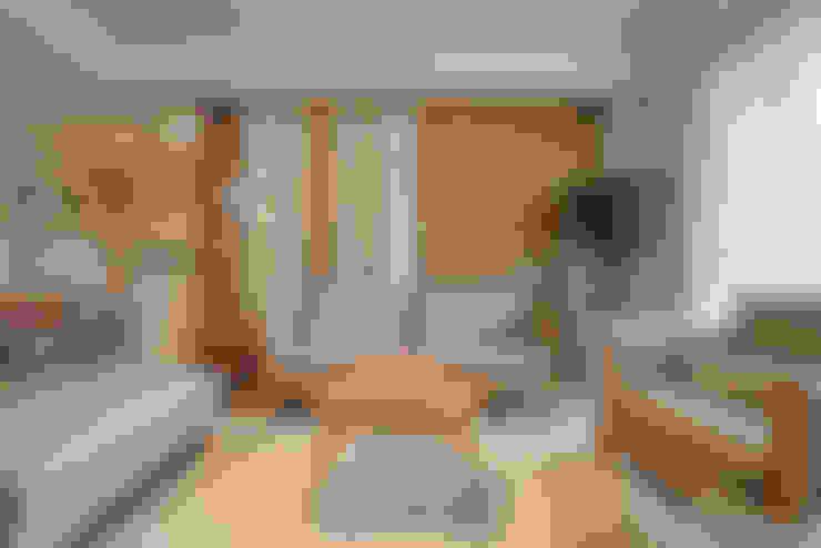 沙發背牆:  客廳 by 存果空間設計有限公司