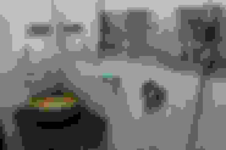 Bathroom design:  Bathroom by Vinayak Interior   Interior Designing and Decorator Companies