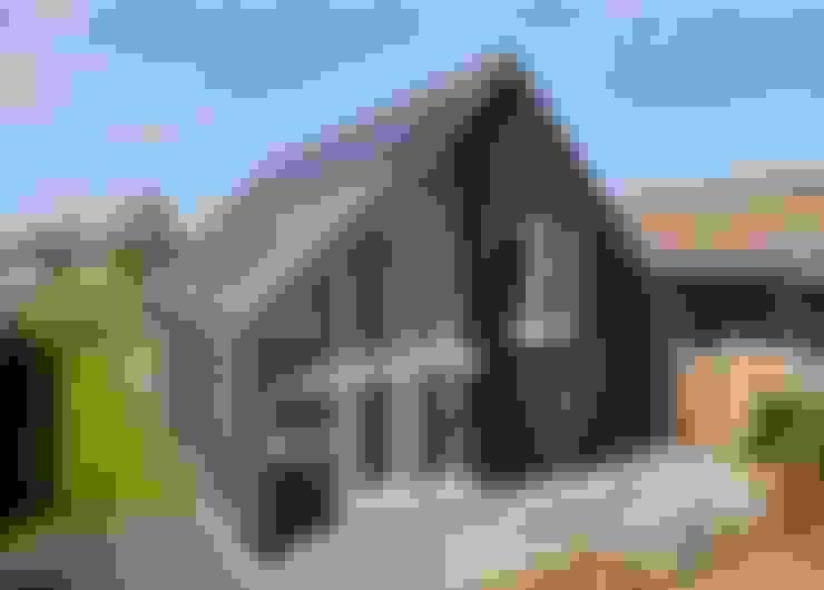 Nhà by Broos de Bruijn architecten