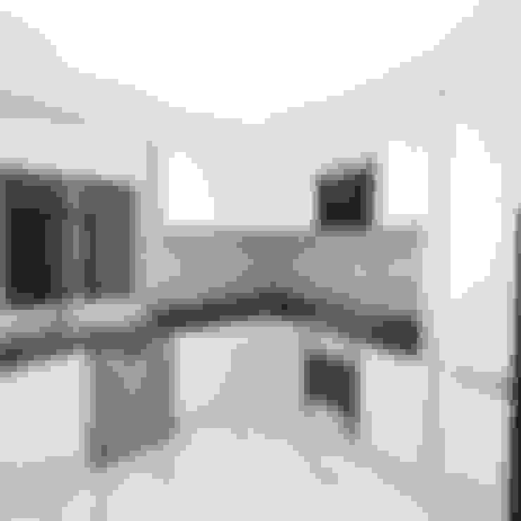 Palacio 1BHK :  Kitchen by Gurooji Designs