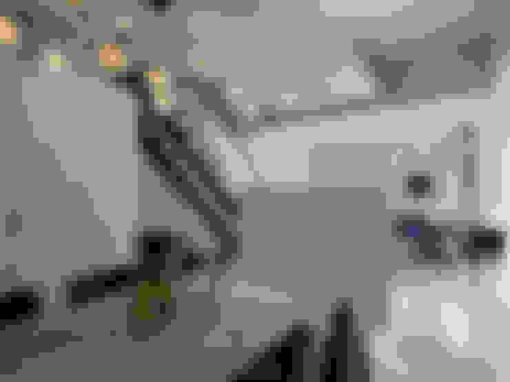 Dining room by 大集國際室內裝修設計工程有限公司
