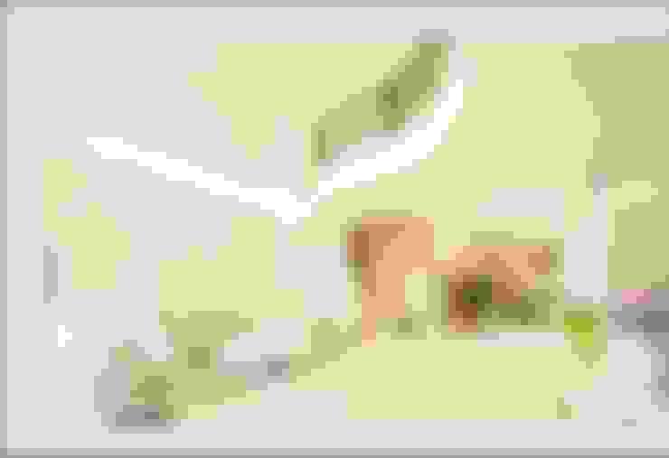 詠盛興居 【富豪臻品,璀璨鉅獻】:  客廳 by 詠盛興營建機構