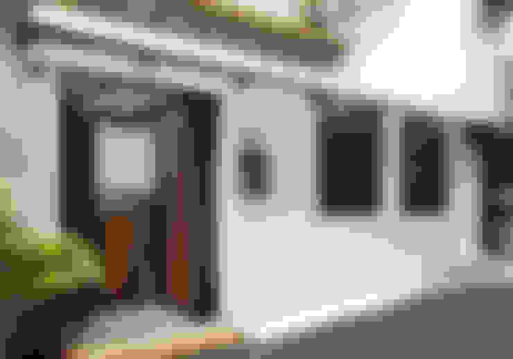 Casas  por 弘悅國際室內裝修有限公司