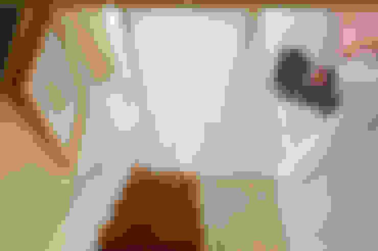 閣樓與梯階:  走廊 & 玄關 by 一葉藍朵設計家飾所 A Lentil Design