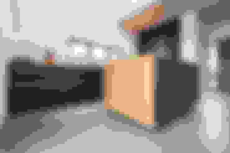 Kitchen by pickartzarchitektur