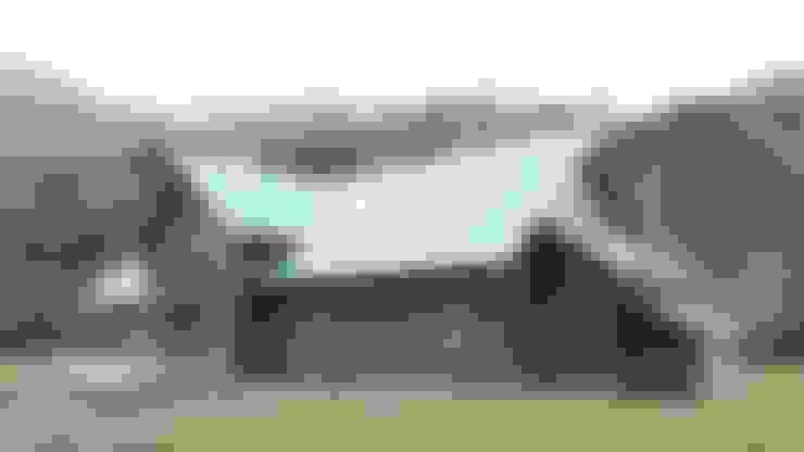Refugio Rucue: Casas de estilo  por San Cristobal hnos constructora