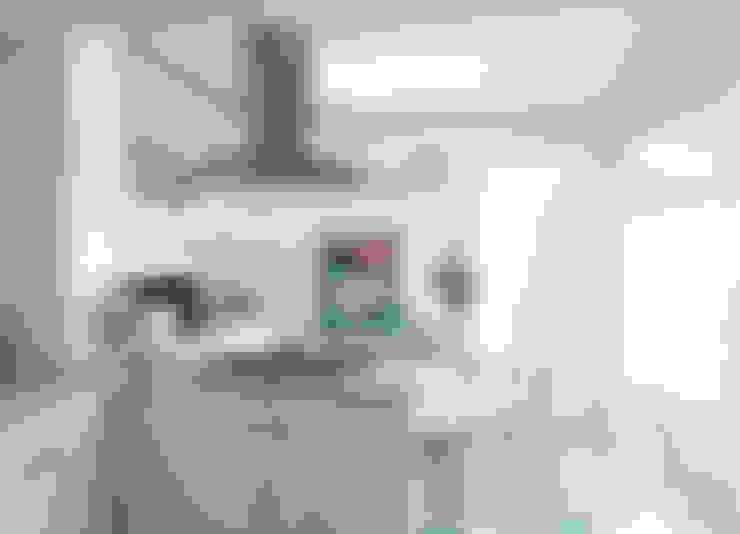 Cocina: Cocinas equipadas de estilo  por RENOarq