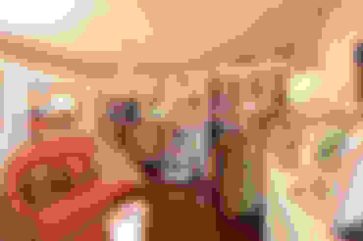 Dressing room by Kellie Burke Interiors