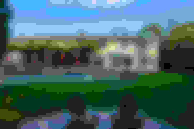 Hồ bơi by FORMA Design Inc.