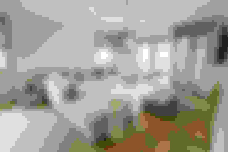 Salas de estilo  por Sizz Design