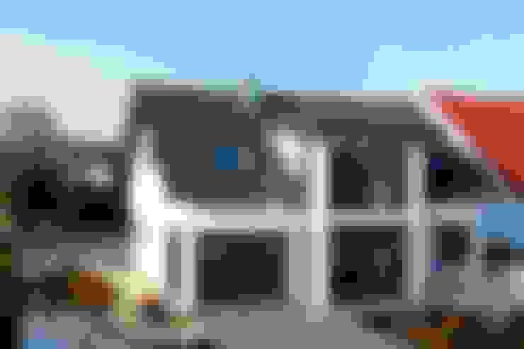 Rumah kayu by Skan-Hus Projekt GmbH