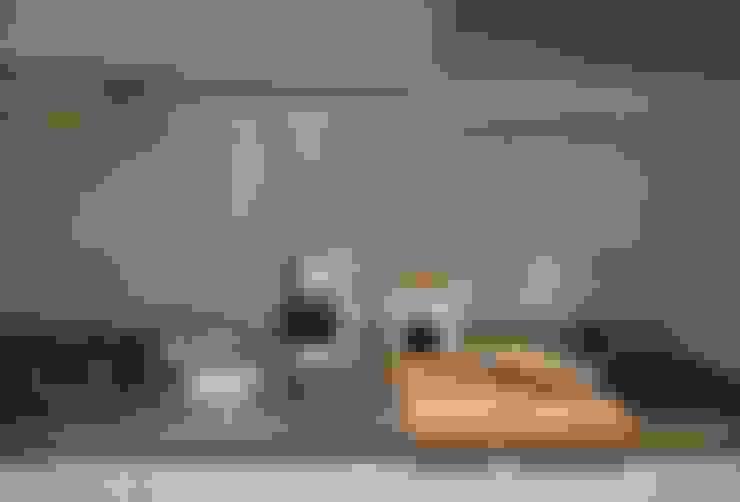 Kitchen units by 齊禾設計有限公司