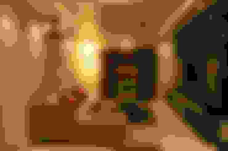 Mystic Moods,Pune:  Living room by H interior Design